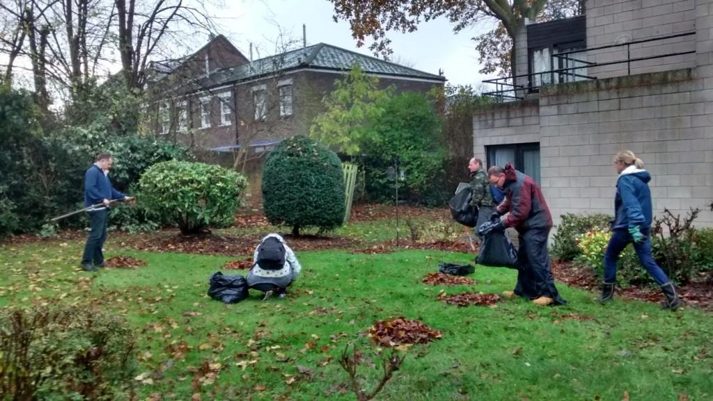 Guerrilla gardening in lambeth left unity for Garden design 1970s